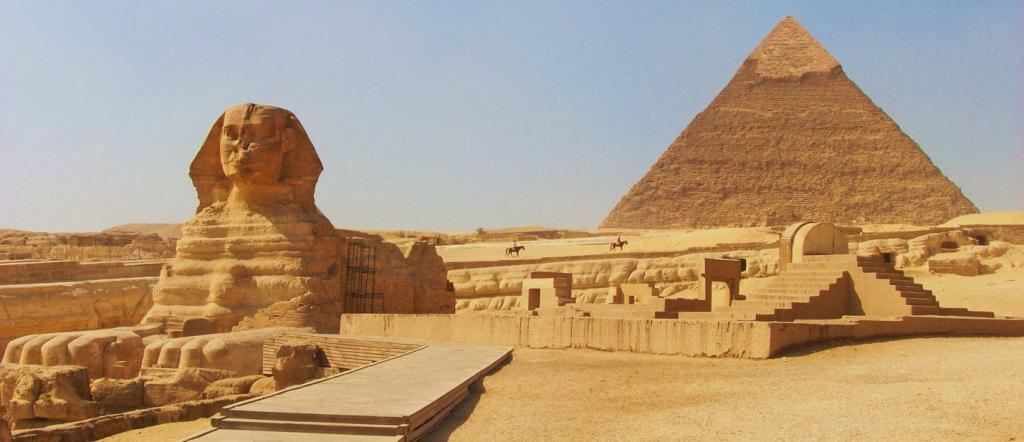 Great Pyramid (Pyramid of Cheops or Pyramid of Khufu)